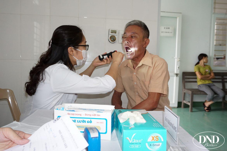Rất nhiều trường hợp bị mắc các bệnh về răng miệng như viêm lợi, viêm quanh răng, răng 8 mọc lệch....
