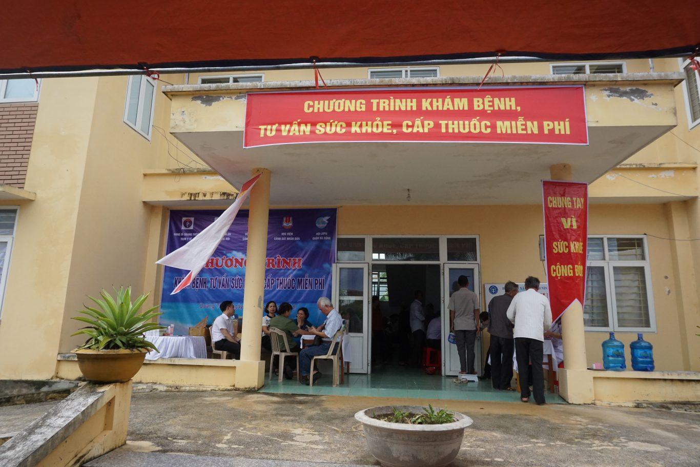 Chương trình khám bệnh, tư vấn và cấp thuốc miễn phí tại xã Quang Thiện, huyện Kim Sơn, tỉnh Ninh Bình