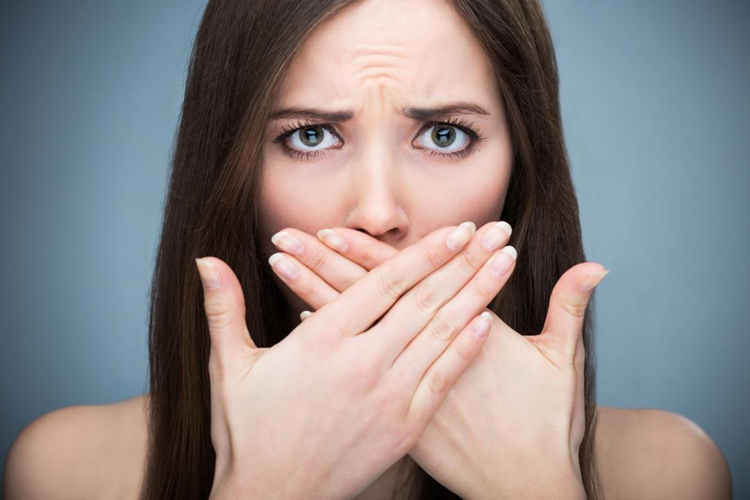 Biến chứng bọc răng sứ nguy hiểm